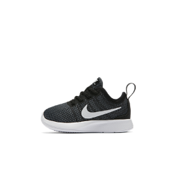Кроссовки для малышей Nike Dualtone RacerКроссовки для малышей Nike Dualtone Racer, дизайн которых вдохновлен обувью для соревнований, создают динамичный образ. Сетчатый материал плотно облегает стопу, а сочетание мягкого и твердого пеноматериала обеспечивает комфорт и стабилизацию на весь день.<br>