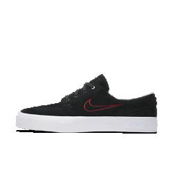 """Мужская обувь для скейтбординга Nike SB Air Zoom Stefan Janoski HT """"ONeill""""Если обувь Nike носит чье-то имя, значит, этот человек по-настоящему велик. Шейн ОНил, восходящая звезда скейтбординга, заслуженно получил собственную профессиональную модель в стиле обуви другого великого скейтбордиста — Стефана Яноски.Мужская обувь для скейтбординга Nike SB Air Zoom Stefan Janoski HT """"ONeill"""" с выгравированным именем австралийского скейтбордиста на боковой части обеспечивает мгновенную амортизацию и превосходное сцепление с доской.  Мгновенная амортизация  Вставка Nike Zoom Air в области пятки обеспечивает легкость, мгновенную амортизацию и защиту от ударных нагрузок в ключевых зонах стопы.  Стильный обтекаемый силуэт  Фирменный низкопрофильный силуэт Janoski позволяет создать стильный образ для катания и на каждый день. Шейн ОНил сделал выбор в пользу сдержанной классической расцветки — черно-белый верх и красная подошва создают минималистичный стиль для этой фирменной обуви.  Уверенное сцепление с доской для высоких результатов  Гибкая вулканизированная подметка позволяет лучше ощущать поверхность под ногами для усиленного сцепления с доской и контроля. Кроме того, Шейн решил убрать полосу с канта, благодаря чему обувь кажется еще выше без ущерба для уровня поддержки.<br>"""
