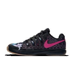 Мужские теннисные кроссовки NikeCourt Zoom Vapor 9.5 Tour PremiumМужские теннисные кроссовки NikeCourt Zoom Vapor 9.5 Tour Premium со стабилизирующим каркасом во всю длину и надежной посадкой позволяют не сбавлять скорость во время игры.<br>