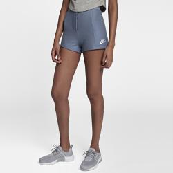 Женские шорты Nike Sportswear IndigoЖенские шорты Nike Sportswear Indigo из ткани френч терри с несколькими карманами для удобного хранения обеспечивают комфортную защиту.<br>