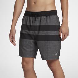 Мужские бордшорты Hurley Phantom Blackball Beater Volley 43 смУкороченные мужские бордшорты Hurley Phantom Blackball Beater 43 см из эластичной ткани на основе переработанных материалов созданы для активного отдыха на пляже и обеспечиваютполную свободу движений.<br>