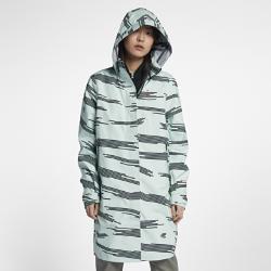 Женская куртка NikeLab ACG 3-in-1 SystemЖенская куртка NikeLab ACG 3-in-1 System состоит из двух слоев для защиты от холода в зимнюю погоду и создания трех разных образов. Внешний слой из трехслойного материала Gore-Tex® защищает от ветра и влаги, а уникальный принт по всей поверхности создает стильный образ.Съемный внутренний слой с кроем куртки-бомбер с наполнителем можно носить отдельно или в сочетании с внешним слоем.  ПРОДУМАННАЯ КОНСТРУКЦИЯ  Внутренние нагрудные карманы и съемный капюшон, который можно убрать в специальный карман. Внутренние ремешки для переноски позволяют носить модель за спиной.<br>