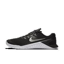 Женские кроссовки для тренинга Nike Metcon 4Женские кроссовки для тренинга Nike Metcon 4 обеспечивают потрясающую стабилизацию, гибкость, поддержку и прочность для тренировок разных видов — от коротких пробежеки толкания салазок до тяжелой атлетики и упражнений на канате.Новая текстурированная сетка делает эту модель самой прочной и легкой в линейке Metcon.  Превосходная прочность  Представляем самую прочную версию Metcon. Инновационный текстурированный принт делает всю конструкцию более прочной, так что твои кроссовки выдержат любые испытания.  Гибкость и поддержка  Скрытая подошва более твердая в области пятки и более мягкая в передней части, что обеспечивает стабилизацию для поднятия веса, а также гибкость и амортизацию для коротких забегов.  Прочность и стабилизация  Плоская устойчивая платформа позволяет чувствовать поверхность под ногами во время упражнений с весом и высокоинтенсивных тренировок.<br>