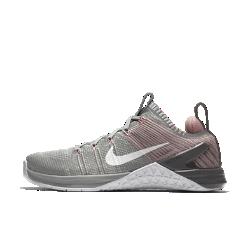 Женские кроссовки для тренинга Nike Metcon DSX Flyknit 2Женские кроссовки для тренинга Nike Metcon DSX Flyknit 2 с верхом из дышащего материала со стабилизирующими нитями Flywire обеспечивают легкость, фиксацию и вентиляцию для интенсивных тренировок: от поднятия тяжестей до забегов на короткие дистанции.<br>