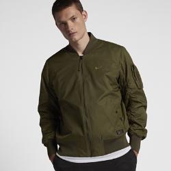 Мужская куртка из тканого материала Nike Sportswear AF1Мужская куртка из тканого материала Nike Sportswear AF1 — обновленная версия классического кроя куртки-бомбера, которая, как и оригинал, обеспечивает тепло в холодную погоду.<br>