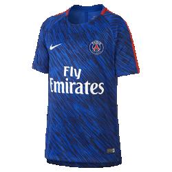 Игровая футболка с коротким рукавом для мальчиков школьного возраста Paris Saint-Germain Dri-FIT SquadИгровая футболка с коротким рукавом для мальчиков школьного возраста Paris Saint-Germain Dri-FIT Squad из влагоотводящей ткани с боковыми разрезами обеспечивает вентиляцию и комфорт во время игры с друзьями.<br>