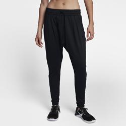 Женские брюки для тренинга Nike Dry Lux FlowОТВЕДЕНИЕ ВЛАГИ И КОМФОРТ ПЛАВНОСТЬ ДВИЖЕНИЙ  Благодаря зауженному крою и отводящей влагу технологии Dri-FIT женские брюки для тренинга Nike Dry Lux Flow обеспечивают комфорт и свободу движений при выполнении любых упражнений.  Отведение влаги  Технология Nike Dry обеспечивает комфорт, выводя влагу на поверхность ткани и позволяя коже дышать.  Свобода движений  Свободный крой в области бедер для свободы движений. Зауженный крой в нижней части штанин обеспечивает абсолютный комфорт и позволяет сосредоточиться на выполнении упражнения.  Индивидуальный комфорт  Регулируемый эластичный пояс для идеальной надежной посадки.<br>