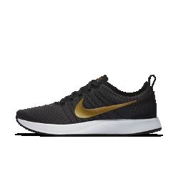 Женские кроссовки Nike Dualtone Racer SEЖенские кроссовки Nike Dualtone Racer SE, дизайн которых вдохновлен культовой обувью для забегов, плотно облегают стопу, создавая обтекаемый стремительный силуэт. Подошва двойной плотности обеспечивает мягкую амортизацию.<br>