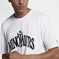 <ナイキ(NIKE)公式ストア>ナイキラボ x RT ビクトリアス ミノタウロス メンズ Tシャツ 942155-100 ホワイト
