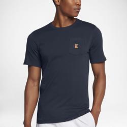 Мужская теннисная футболка NikeCourt Heritage PocketМужская теннисная футболка NikeCourt Heritage Pocket посвящена теннисным моделям и повседневным моделям Nike в теннисном стиле. Футболка, дизайн которой вдохновлен экипировкойкрупнейших звезд тенниса 90-х, выполнена из мягкого хлопка для комфорта на весь день и украшена цветным вышитым логотипом NikeCourt. Идеальный образ для корта и на каждый день.<br>