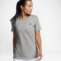 Женская теннисная футболка NikeCourt HeritageЖенская теннисная футболка NikeCourt Heritage Pocket из мягкого и прочного хлопка обеспечивает комфорт на весь день.<br>