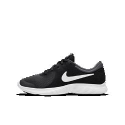 Беговые кроссовки для школьников Nike Revolution 4Беговые кроссовки для школьников Nike Revolution 4 сочетают легкую систему амортизации и минималистичную конструкцию для скорости и длительного комфорта.<br>