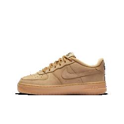 Кроссовки для школьников Nike Air Force 1 Winter PremiumКроссовки для школьников Nike Air Force 1 Winter Premium из прочной кожи обеспечивают поддержку и комфорт в холодную погоду в любое время года.<br>