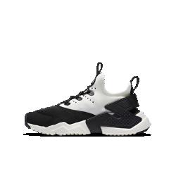 Кроссовки для школьников Nike Huarache Run DriftКроссовки для школьников Nike Huarache Run Drift — новая повседневная версия революционных беговых кроссовок 1990-х годов, сочетающая элементы самых легендарных моделей.  В твоем стиле  Шнурки можно либо продеть через нити Flywire или фиксатор на пятке, либо совсем убрать.<br>