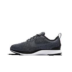 Кроссовки для школьников Nike Dualtone Racer SEВдохновленные культовой обувью для забегов кроссовки для школьников Nike Dualtone Racer SE плотно облегают стопу, создавая обтекаемый стремительный силуэт. Подошва двойнойплотности обеспечивает мягкую амортизацию для комфорта на каждый день.<br>