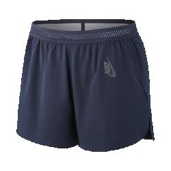 Женские шорты для тренинга NikeLab EssentialsЖенские шорты для тренинга NikeLab Essentials из эластичной ткани Dri-FIT, которая тянется во всех направлениях, отводят влагу от кожи и обеспечивают полную свободу движений на тренировке.  Удобная посадка  Легкий пояс Nike Flyvent обеспечивает вентиляцию и комфорт благодаря эластичному материалу с перфорацией.  Усовершенствованная модель  Лазерная перфорация по бокам и боковые разрезы обеспечивают легкость и вентиляцию, а слегка увеличенная сзади длина создает дополнительную защиту.  Невероятная мягкость  Бархатистый кант на внутренней стороне нижней кромки предотвращает натирание кожи при движении.<br>