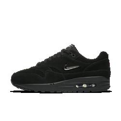 Женские кроссовки Nike Air Max 1 Premium SCВ 1987 году модель Nike Air Max 1 впервые продемонстрировала миру, как выглядит система амортизации Nike Air. Женские кроссовки Nike Air Max 1 Premium SC — немного измененная версия классического дизайна с небольшим логотипом Swoosh, напоминающим драгоценный камень.<br>