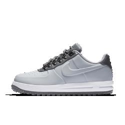 Мужские кроссовки Nike Lunar Force 1 Duckboot LowМужские кроссовки Nike Lunar Force 1 Duckboot Low в стиле культовых AF1 обеспечивают защиту от холода. Их низкопрофильная конструкция отталкивает влагу, а подошва создает эффективное сцепление.<br>