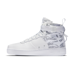 Nike SF Air Force 1 Mid Winter Men's Shoe