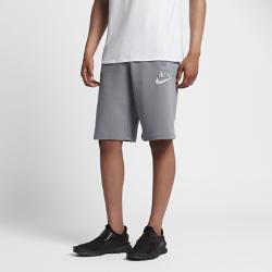 Мужские флисовые шорты Nike Sportswear CamoМужские флисовые шорты Nike Sportswear Camo из мягкой ткани с утягивающим шнурком на поясе обеспечивают длительный комфорт и регулируемую посадку.<br>