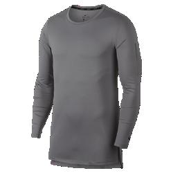 Мужская футболка с длинным рукавом Nike Training UtilityСозданная для самых энергичных атлетов мужская футболка с длинным рукавом Nike Training Utility из влагоотводящей ткани обеспечивает комфорт во время тренировок. Небольшойкарман на левом плече идеален для хранения мелочей. Экипировка Utility — это одни из лучших моделей в коллекции Nike для тренинга.  АБСОЛЮТНЫЙ КОМФОРТ  Быстросохнущая ткань с технологией Dri-FIT отводит влагу от кожи.  СВОБОДА ДВИЖЕНИЙ  Плотно прилегающий крой повторяет изгибы тела, обеспечивая полную свободу движений в любом направлении. Плоские швы не натирают кожу, а крупные разрезы по бокам неограничивают свободу движений.  ДИНАМИЧНАЯ ЗАЩИТА  Изогнутая и удлиненная сзади нижняя кромка защищает поясницу при наклонах и упражнениях на растяжку.<br>