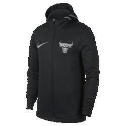 Мужская худи НБА Chicago Bulls Nike Therma Flex ShowtimeМужская худи НБА Chicago Bulls Nike Therma Flex Showtime из эластичной ткани обеспечивает тепло и комфорт, помогая полностью сосредоточиться на игре. Тепло, эластичность и комфорт Ткань Nike Therma Flex обеспечивает тепло и превосходную свободу движений. Оптимальный обзор и слышимость Традиционный капюшон с новым дизайном не ограничивает обзор во время игры, а вставка из сетки улучшает слышимость. Удобное хранение Боковые карманы на молнии для телефона и других мелочей. Информация о товаре  Эластичные манжеты особой формы не мешают при ведении мяча Удлиненная сзади нижняя кромка обеспечивает защиту во время бросков мяча Боковые разрезы обеспечивают свободу движений Состав: 91% полиэстер/9% спандекс Машинная стирка Импорт<br>