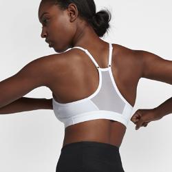 Спортивное бра с легкой поддержкой Nike Indy SparkleСпортивное бра с легкой поддержкой Nike Indy Sparkle из влагоотводящей ткани с регулируемыми бретелями обеспечивает комфорт во время занятий низкой интенсивности, такихкак йога, ходьба и тяжелая атлетика.<br>