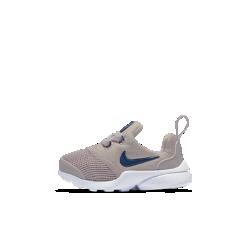 Кроссовки для малышей Nike Presto FlyГибкие кроссовки для малышей Nike Presto Fly, возрождающие классическую модель начала 2000-х, обеспечивают плотную посадку, поддержку и стабилизацию для юных атлетов.<br>