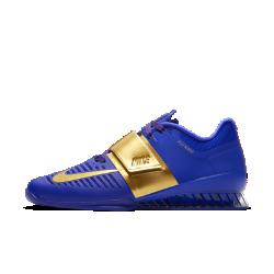 Мужские кроссовки для тяжелой атлетики Nike Romaleos 3 European ReignМужские кроссовки для тяжелой атлетики Nike Romaleos 3 European Reign обеспечивают необходимую стабилизацию и оптимальную фиксацию для интенсивных тренировок с отягощением. Выбирай для своей тренировки одну из двух входящих в комплект съемных стелек — с мягкой и жесткой поддержкой.<br>