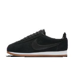 Женские кроссовки Nike Classic Cortez SuedeЖенские кроссовки Nike Classic Cortez — это оригинальная беговая модель Nike, созданная Биллом Бауэрманом и выпущенная в 1972 году. Новая версия с верхом из замши и элементами из синтетического материала создает первоклассный образ в ретростиле.<br>