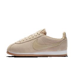 Женские кроссовки Nike Classic CortezЖенские кроссовки Nike Classic Cortez —это усовершенствованная версия оригинальных беговых кроссовок Nike с первоклассной конструкцией из замши и мягкой системой амортизации для комфорта на каждый день.<br>