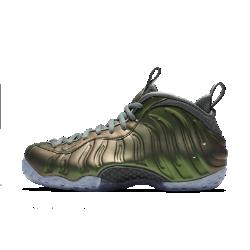 Женские кроссовки Nike Air Foamposite 1Женские кроссовки Nike Air Foamposite 1 с обтекаемой цельной конструкцией создают дерзкий образ и обеспечивают комфорт и амортизацию благодаря упругой вставке Nike Zoom Air и баскетбольному профилю высотой 3/4.<br>
