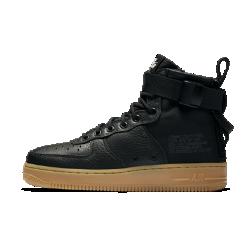 Женские ботинки Nike SF Air Force 1 MidЖенские ботинки Nike SF Air Force 1 Mid сочетают практичность армейской экипировки с классическим баскетбольным стилем. Баллистический нейлон и первоклассная кожа сочетаются с удобной двойной молнией на пятке.  Универсальность  Стандартные шнурки, ремешок в области голеностопа и двойная молния на пятке образуют динамическую систему фиксации. Благодаря этому можно регулировать плотность посадки.  Прочные материалы  Область пятки и язычок выполнены из баллистического материала на основе нейлона. Это делает ботинки прочными и гибкими, а также придает модели вид армейской обуви.<br>