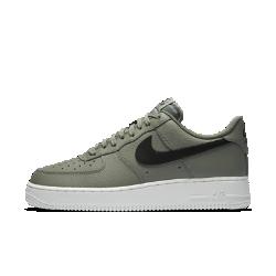 Мужские кроссовки Nike Air Force 1 07Мужские кроссовки Nike Air Force 1 07 — это продолжение легенды, современная трактовка классической модели, свежие идеи в традиционном дизайне.<br>