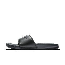 Женские шлепанцы Nike Benassi Metallic QSЖенские шлепанцы Nike Benassi Metallic QS со вставкой из пеноматериала и прочной резиновой подметкой обеспечивают комфорт на каждый день.<br>
