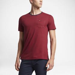 Мужская футболка Hurley Beach Break CrewМужская футболка Hurley Beach Break Crew из мягкой и прочной смесовой ткани на основе хлопка обеспечивает комфорт на весь день и легко сочетается с другими предметами одежды.<br>