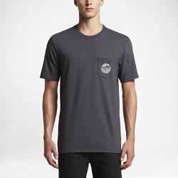 Мужская футболка Hurley No Surfboard PocketМужская футболка Hurley Surfboard Pocket из мягкого и прочного хлопка обеспечивает длительный комфорт на весь день.<br>