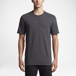 Мужская футболка Hurley Staple PocketМужская футболка Hurley Staple Pocket из мягкого хлопка обеспечивает комфорт на весь день и долговечность.<br>