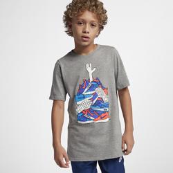<ナイキ(NIKE)公式ストア>ナイキ スポーツウェア ジュニア (ボーイズ) Tシャツ AA8784-063 グレー