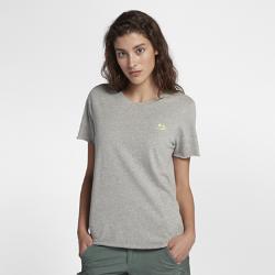 Женская футболка Hurley Island CutbackЖенская футболка Hurley Island Cutback из мягкого дышащего хлопка с необработанными кромками создает дерзкий образ.<br>