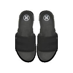 Мужские сандалии Hurley Phantom Free SlideМужские сандалии Hurley Phantom Free Slide с перфорированным ремешком без застежки обеспечивают воздухопроницаемость и позволяют быстро переобуться.  Абсолютная гибкость  Шестигранные эластичные желобки, нанесенные на подметку горячим ножом, обхватывают боковую часть и способствуют естественным движениям стопы. Дополнительные шестигранные и горизонтальные вырезы пересекаются с эластичными желобками для большей гибкости.  Естественность движений  Скругленные пятка и стелька с текстурой повторяют форму стопы, обеспечивая естественную свободу движений.<br>