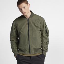 Мужская двусторонняя куртка Nike SportswearМужская двусторонняя куртка Nike Sportswear Reversible с легкой теплоизолирующей конструкцией обеспечивает тепло и комфорт, а также позволяет создавать разные образы.<br>
