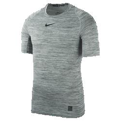 Мужская футболка для тренинга Nike ProМужская футболка для тренинга Nike Pro с прилегающим кроем из влагоотводящей ткани обеспечивает комфорт и поддержку во время тренировки.<br>