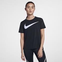 Женская беговая футболка с коротким рукавом Nike MilerЖенская беговая футболка с коротким рукавом Nike Miler из влагоотводящей ткани с сетчатой вставкой на спине обеспечивает охлаждение и комфорт во время бега.<br>