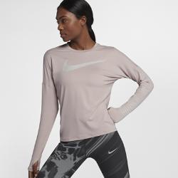 Женская беговая футболка с длинным рукавом Nike Dri-FIT ElementЖенская беговая футболка с длинным рукавом Nike Dri-FIT Element из влагоотводящей ткани обеспечивает комфорт на любой пробежке. Более свободный крой основы и в области подмышек отлично сочетается с другими предметами одежды и не сковывает движений.<br>