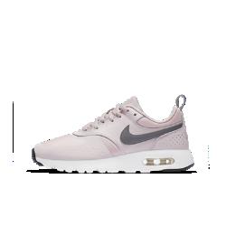 Кроссовки для школьников Nike Air Max VisionКроссовки для школьников Nike Air Max Vision с элементами культовых Nike Air Max Zero обеспечивают воздухопроницаемость, длительный комфорт и поддержку благодаря видимой амортизирующей вставке Air и сетчатому верху с накладками.<br>