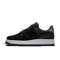 Женские кроссовки Nike Air Force 107 SE PremiumЖенские кроссовки Nike Air Force 107 SE Premium— это продолжение легенды, современная трактовка классической модели, свежие идеи в традиционном дизайне. Новая модель из лимитированной серии дополнена первоклассными материалами и деталями.<br>