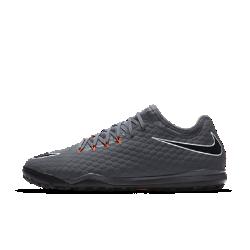 Мужские футбольные бутсы для игры на газоне Nike HypervenomX Phantom III ProФутбольные бутсы для игры на газоне Nike HypervenomX Phantom III Pro обеспечивают новый уровень фиксации, гибкости и поддержки для стремительных рывков при игре на полях с газонным покрытием.<br>
