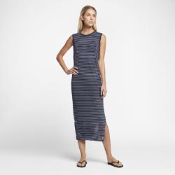 Платье Hurley Dri-FIT CaptainПлатье Hurley Dri-FIT Captain — элегантная модель в свежем морском стиле, которая идеально подходит для летних прогулок. Платье из влагоотводящей комфортной ткани можно носить в жару как самостоятельный слой или надевать поверх купальника.<br>