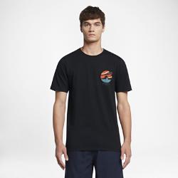 Мужская футболка Hurley OculusМужская футболка Hurley Oculus из мягкой ткани с абстрактным изображением безмятежного моря обеспечивает комфорт в течение всего дня на пляже и дома.<br>